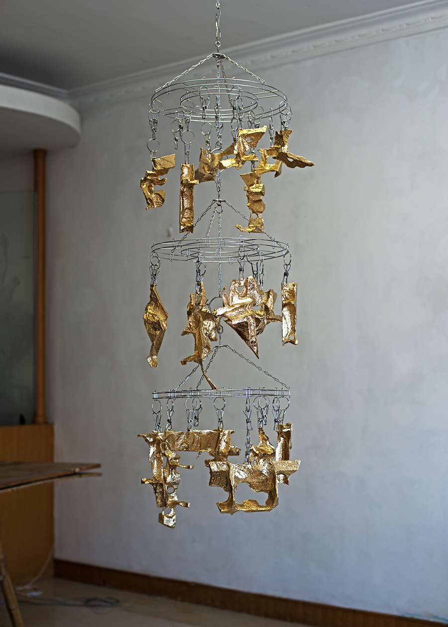 21 Hanging sculptures - stainless steel, epoxy and metal pigment - 135 x 35 cm